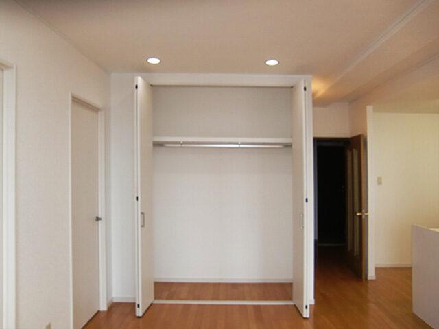 人気の対面式キッチンへ。リフォームして住みやすい間取りに!
