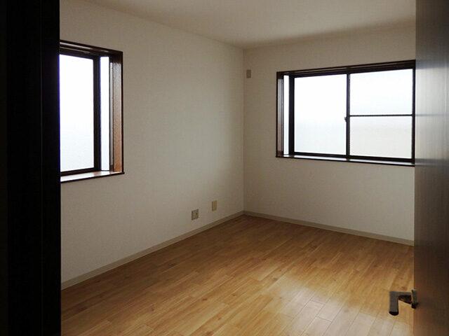 ビルの5階を貸家物件にリフォーム!ビル全体のリフレッシュ工事もしました。