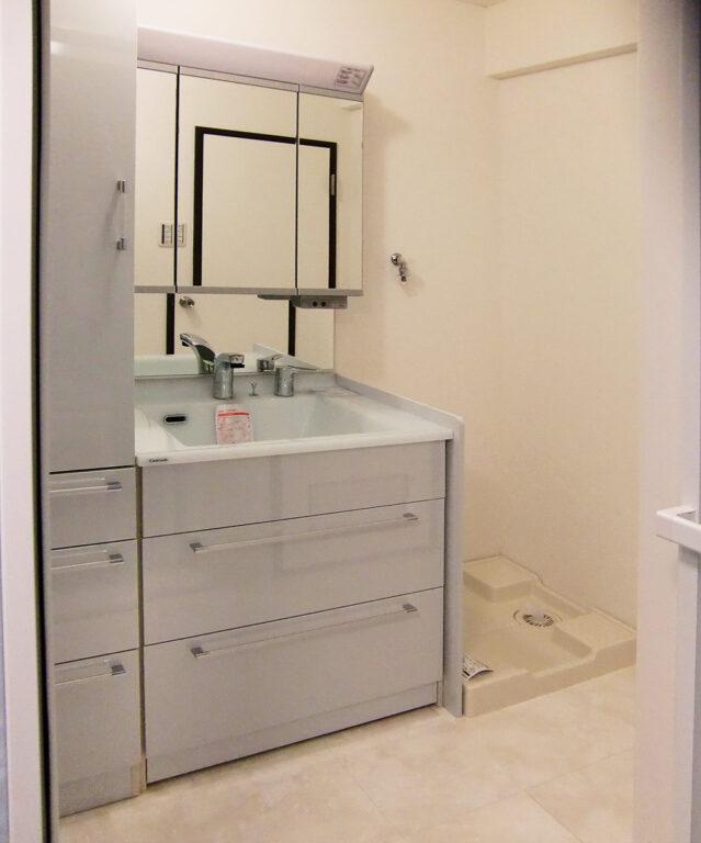収納力アップで清潔感のある洗面所に。