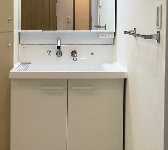 洗面台を新しく!サイズぴったりリフォーム。
